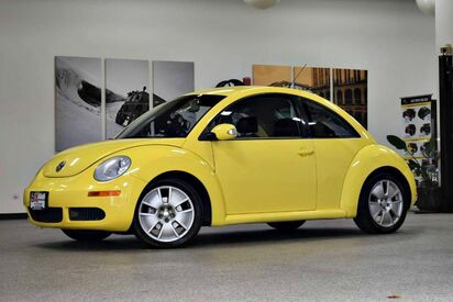 2010_Volkswagen_Beetle_S_ Boston MA