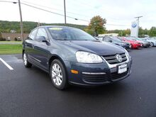 2010_Volkswagen_Jetta Sedan_Limited_ Keene NH