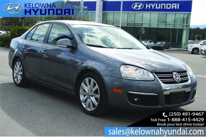 2010 Volkswagen Jetta Sedan Wolfsburg Keyless entry, Heated seats. Kelowna BC