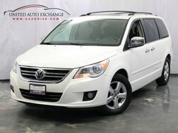 2010_Volkswagen_Routan_SEL Premium / 4.0L V6 Engine / 4WD / Navigation / Rear View came_ Addison IL