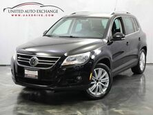Volkswagen Tiguan SE / 2.0L Turbocharged Engine / FWD / Touch Screen / Heated Leather Seats Addison IL