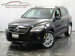 2010_Volkswagen_Tiguan_SE / 2.0L Turbocharged Engine / FWD / Touch Screen / Heated Leather Seats_ Addison IL