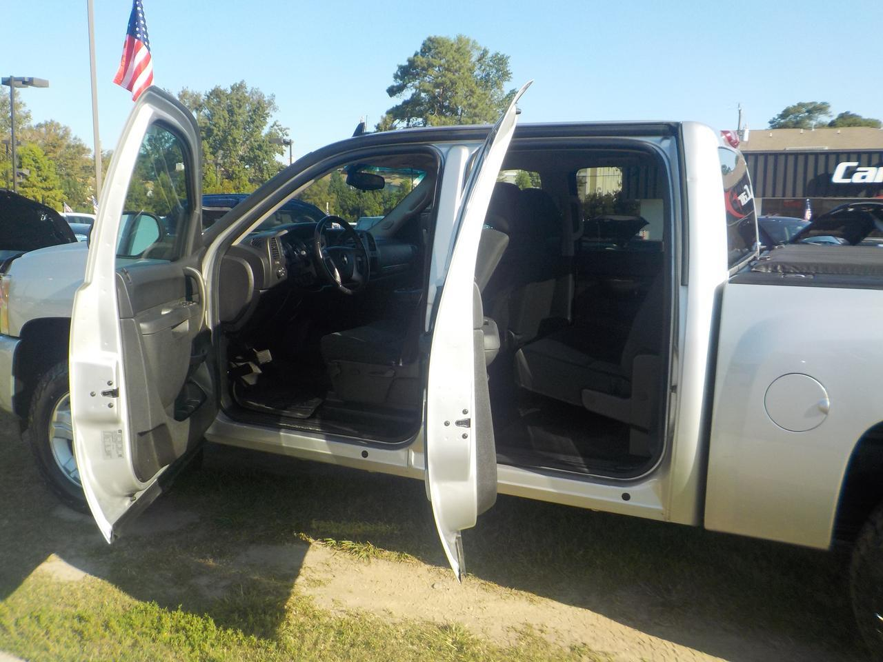 2011 CHEVROLET SILVERADO 1500 LT CREW CAB 4X4, Z71 PACKAGE, TOW PACKAGE, LOW MILES! Virginia Beach VA