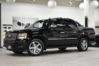 2011_Chevrolet_Avalanche_LTZ_ Boston MA