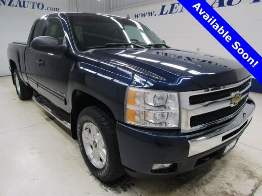 2011_Chevrolet_Silverado 1500_4x4 Extended Cab LT_ Fond du Lac WI