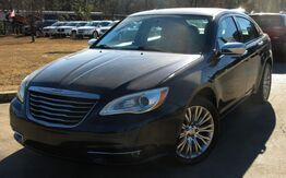 2011_Chrysler_200_** LIMITED ** - NAVIGATION & LEATHER SEATS_ Lilburn GA