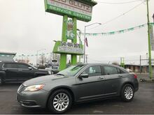 2011_Chrysler_200_LX_ Eugene OR