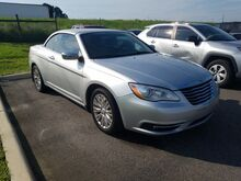 2011_Chrysler_200_Limited_  FL