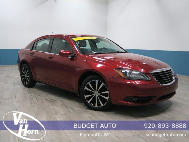 2011 Chrysler 200 S Plymouth WI