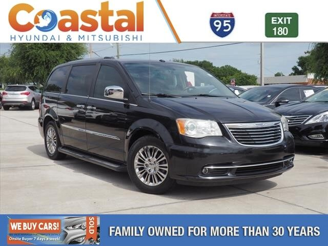 2011 Chrysler Town & Country Limited Cocoa FL