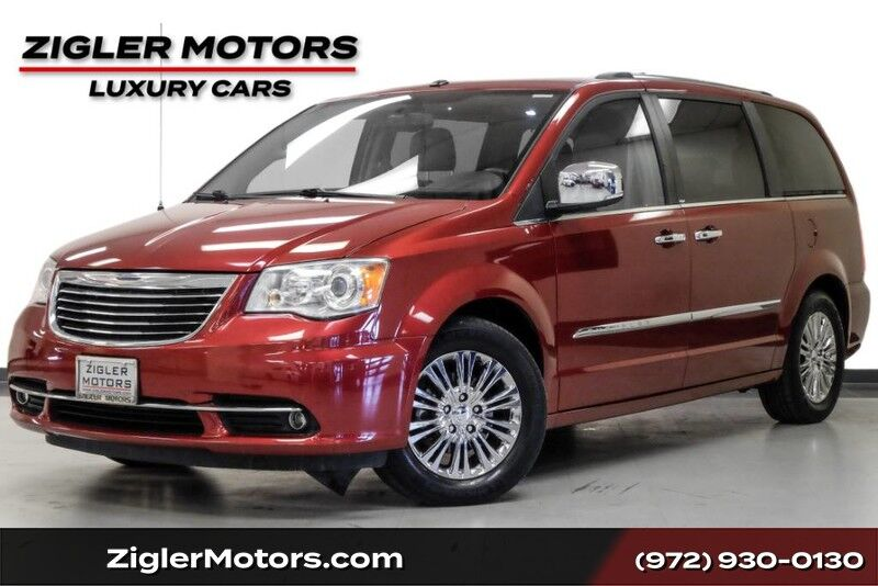 2011 Chrysler Town & Country Limited Low Miles! Clean Carfax Nav DVD Captain Chairs LOADED Addison TX