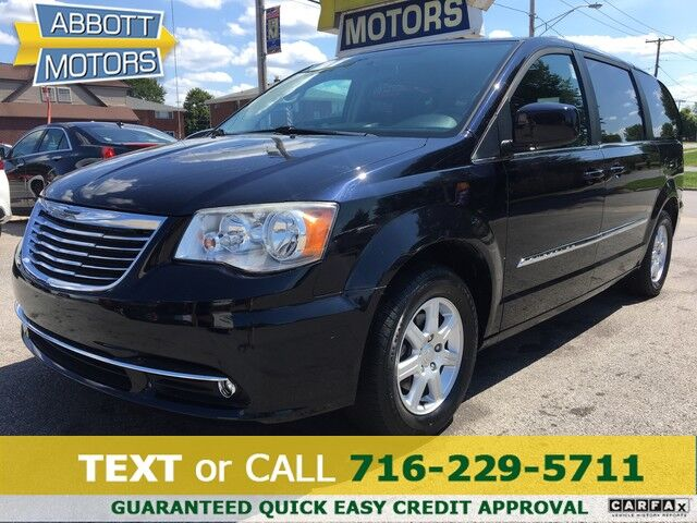2011 Chrysler Town & Country Touring 1-Owner w/Low Miles Buffalo NY