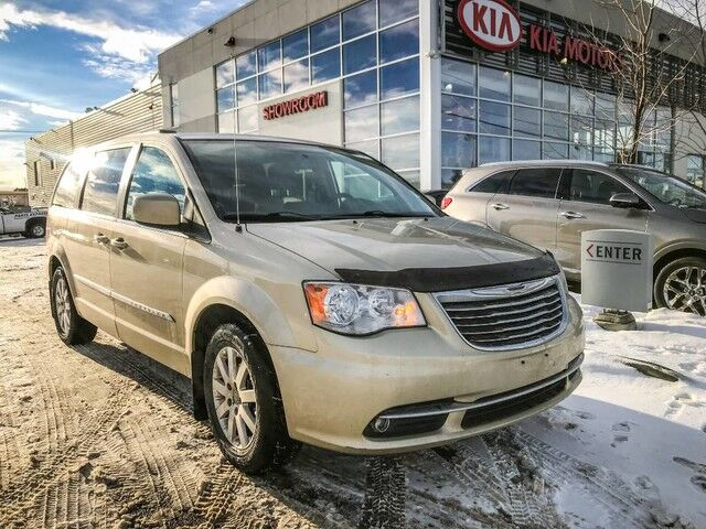 2011 Chrysler Town & Country Touring FWD 3.6L *BLUETOOTH/REARVIEW CAMERA/POWER SIDE DOORS* Edmonton AB