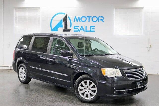 2011 Chrysler Town & Country Touring-L Navi Rear Camera Dual Row TV's Schaumburg IL