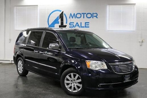 2011 Chrysler Town & Country Touring-L Schaumburg IL