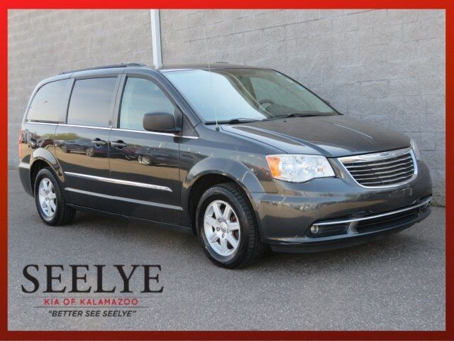 2011 Chrysler Town & Country Touring Paw Paw MI