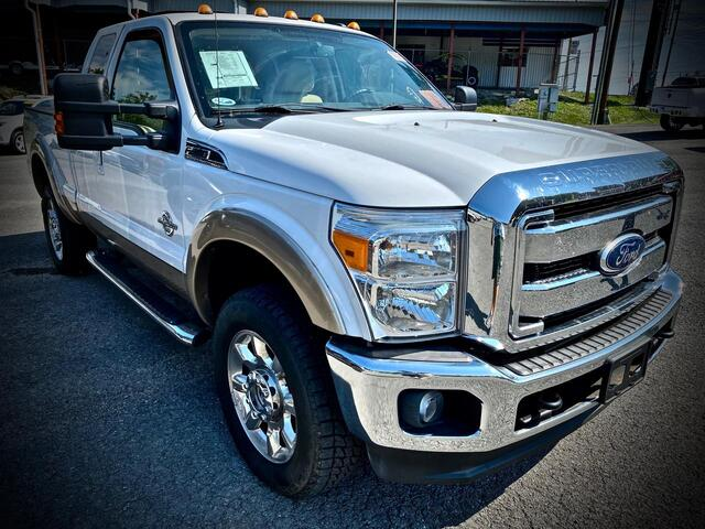 2011_FORD_F350 SUPERCAB 4X4_LARIAT_ Bridgeport WV