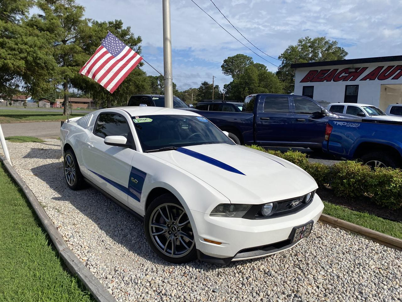 2011 FORD MUSTANG GT, WARRANTY, LEATHER, MANUAL, A/C, CRUISE CONTROL, SHAKER SOUND, AUX/USB PORT, CLEAN CARFAX! Norfolk VA