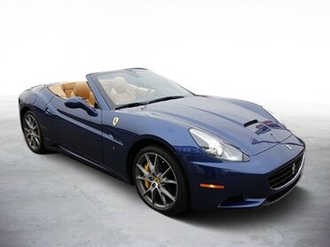 2011_Ferrari_California_Base_ Chicago IL