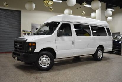 2011_Ford_Econoline_E-250 Wheelchair 10 Passenger_ Boston MA