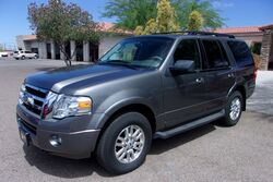 Ford Expedition XLT 4X4 2011