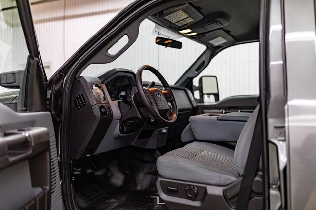 2011 Ford F-250 4x2 Crew Cab XLT Longbox Diesel Topper Red Deer AB