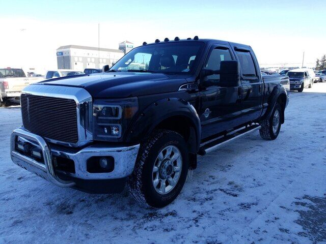 2011 Ford F-350 LARIAT DIESEL SUNROOF LEATHER AND NAVIGATION Calgary AB