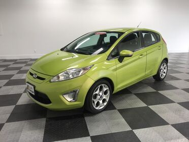 2011_Ford_Fiesta_SES_ Chattanooga TN