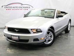 2011_Ford_Mustang_CONVERTIBLE V6 Premium / 3.7L V6 Engine / RWD_ Addison IL