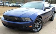 2011 Ford Mustang w/ LEATHER SEATS
