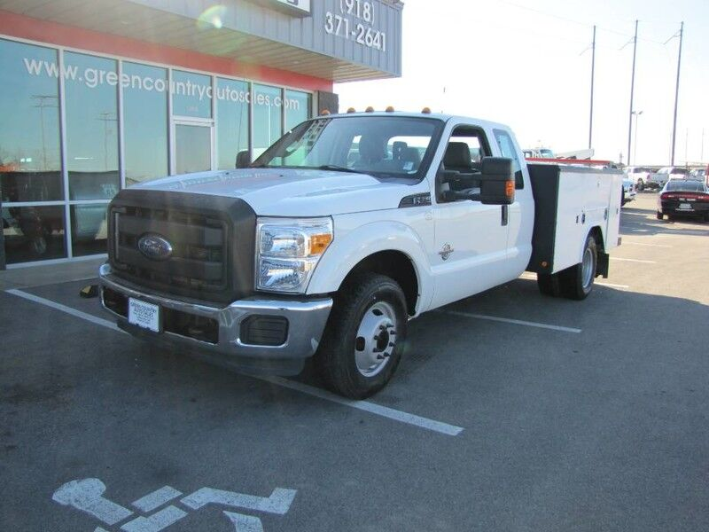 2011 Ford Super Duty F-350 DRW Diesel Utility XL
