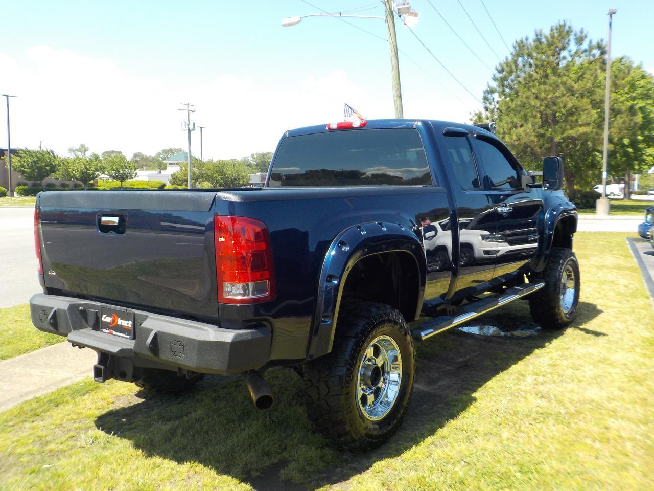 2011 GMC SIERRA 2500 HD EXTENDED CAB 4X4, WARRANTY, LIFTED,  FENDER FLARES, BLUETOOTH, BED LINER, TOW, ONSTAR! Virginia Beach VA
