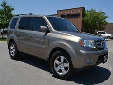 Honda Pilot EX-L/3rd Row Seating/Heated Leather/Rear View Cam/Satellite Radio/Power Sunroof 2011