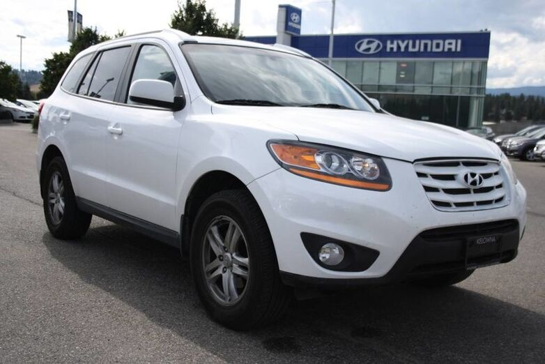2011 Hyundai Santa Fe GL Heated seats, bluetooth, power options. Kelowna BC