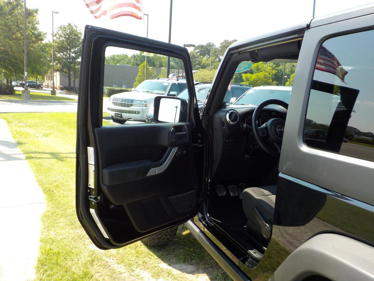 2011 JEEP WRANGLER RUBICON CALL OF DUTY BLACK OPS EDITION MANUAL 4X4, HARD TOP, FENDER FLARES, BLUETOOTH, UCONNECT! Virginia Beach VA