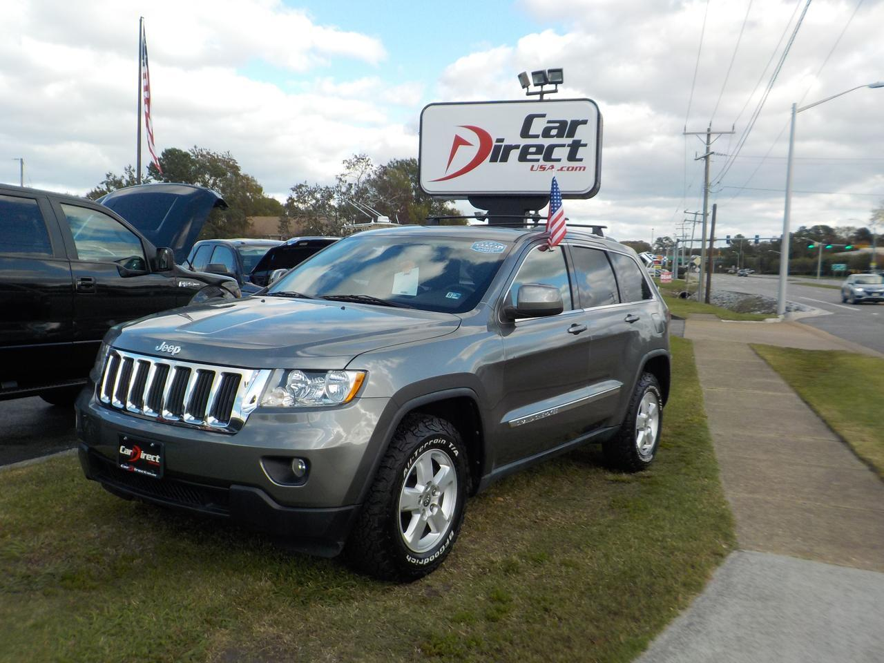 2011 JEEP GRAND CHEROKEE LAREDO 4X4, WARRANTY, KEYLESS START, ROOF RACKS, GREAT CONDITION & EXTRA CLEAN!