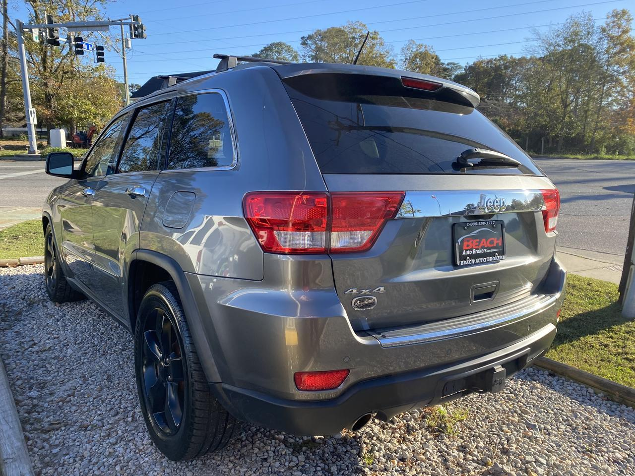 2011 JEEP GRAND CHEROKEE OVERLAND SUMMIT 4X4, WARRANTY, LEATHER, HEATED/COOLED  SEATS, BACKUP CAM, PANORAMIC ROOF! Norfolk VA