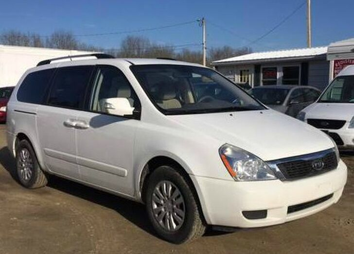 2011 Kia Sedona LX Rock City NY