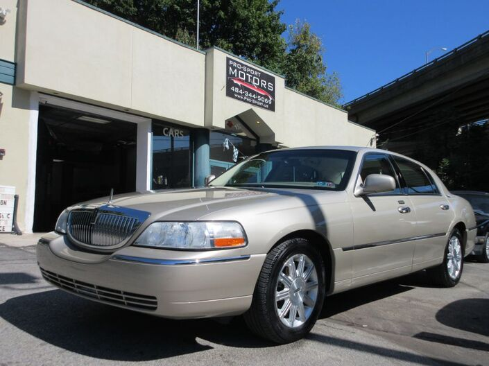 2011 LINCOLN TOWN CAR SIGNATURE LIMITED W Conshohocken PA