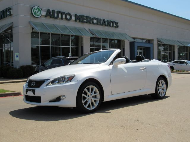 2011 Lexus IS C 250, NAVIGATION SYSTEM, BACK-UP CAMERA, FRONT COOLING/HEATED SEATS, LEATHER INTERIOR Plano TX