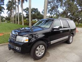 2011_Lincoln_Navigator_Base_ Hollywood FL