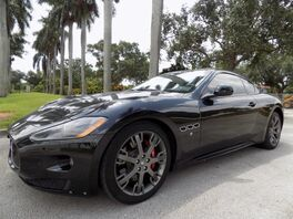 2011_Maserati_GranTurismo_S_ Hollywood FL