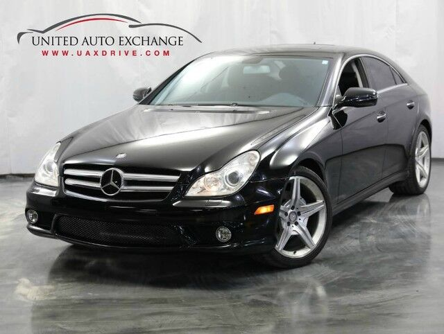 2011 Mercedes-Benz CLS-Class CLS 550 / 5.5L V8 Engine / RWD / Front & Rear Parking Aid / Sunr Addison IL