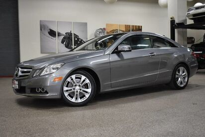 2011_Mercedes-Benz_E 350_Coupe_ Boston MA