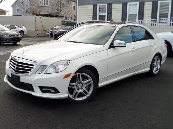 2011 Mercedes-Benz E 550 4-Matic Sport/ Navigation Elmont NY