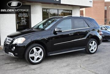 2011_Mercedes-Benz_ML550_4Matic_ Conshohocken PA