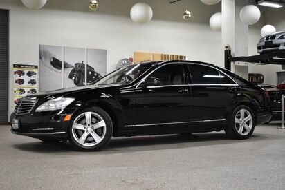 2011_Mercedes-Benz_S-Class_S 550 4MATIC_ Boston MA