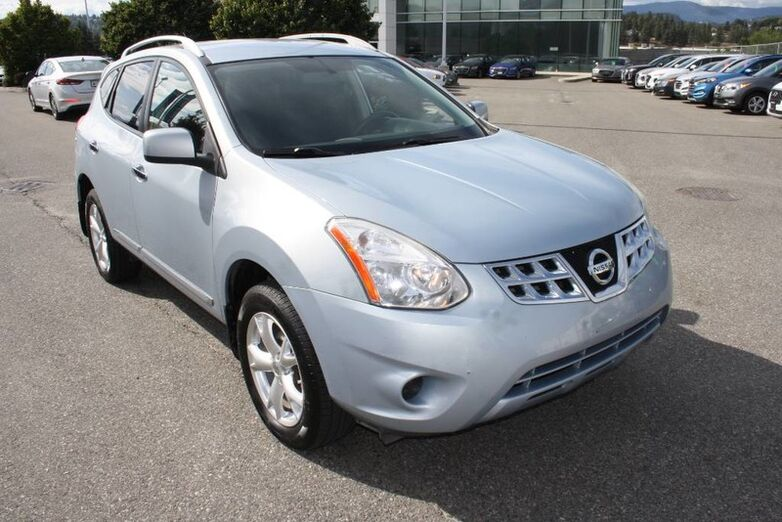 2011 Nissan Rogue SV AWD Backup camera, bluetooth,Heated seats. Kelowna BC