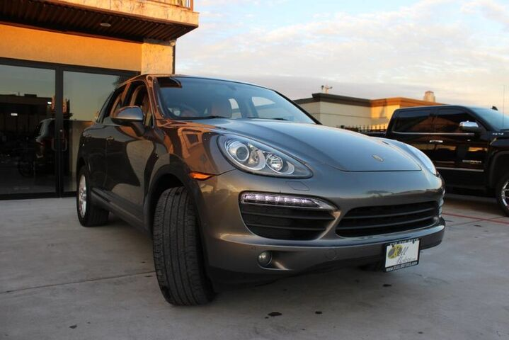 2011 Porsche Cayenne S NAVIGATION PANORAMIC ROOF HEATED COOLED SEATS Houston TX
