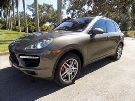 2011_Porsche_Cayenne_Turbo_ Hollywood FL